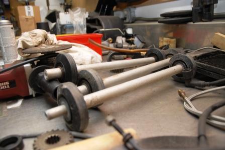 Upper idler wheels/shaft for the el tigre