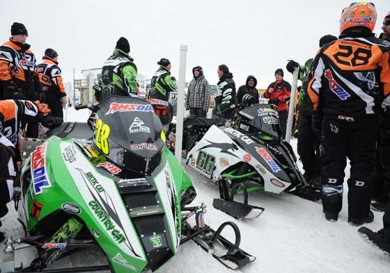 Wanderscheid and Moyle race crews
