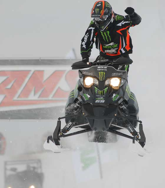 Tucker Hibbert wins the 2009 Duluth Snocross opener