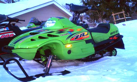 Arctic Cat ZR6000 with a 10-plus-10-equals-20-inch-handlebar-riser