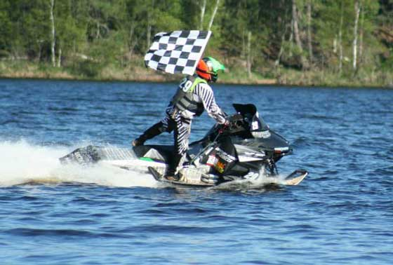 Team Arctic watercrosser Dale Lindbeck wins to start the '13 season.