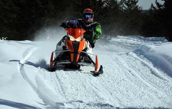 Exploring the trail's edge on an Arctic Cat ProCross snowmobile. Photo: ArcticInsider.com