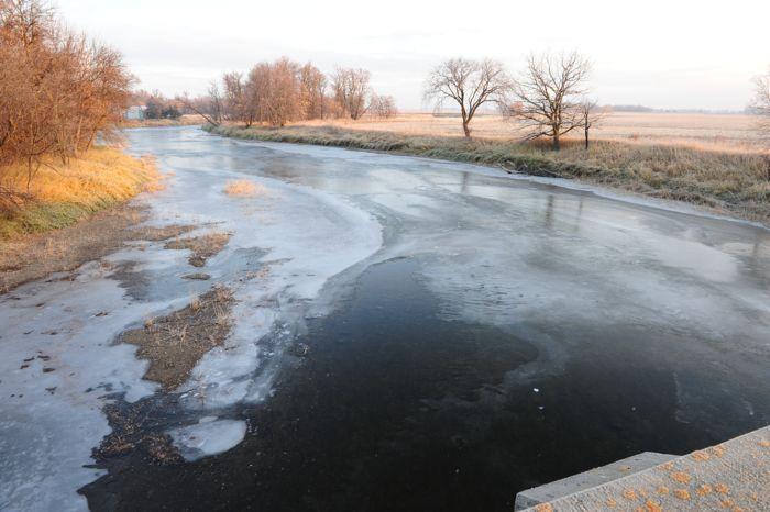 Frozen Red Lake River from Smiley Bridge in Thief River Falls. Photo: ArcticInsider.com