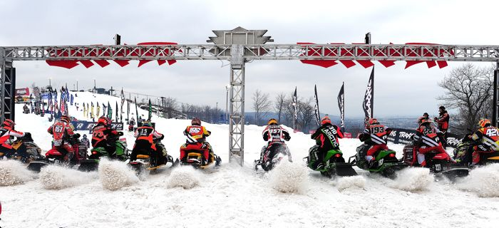 Pro Lite #2 Race start at Duluth snocross. Photo ArcticInsider.com