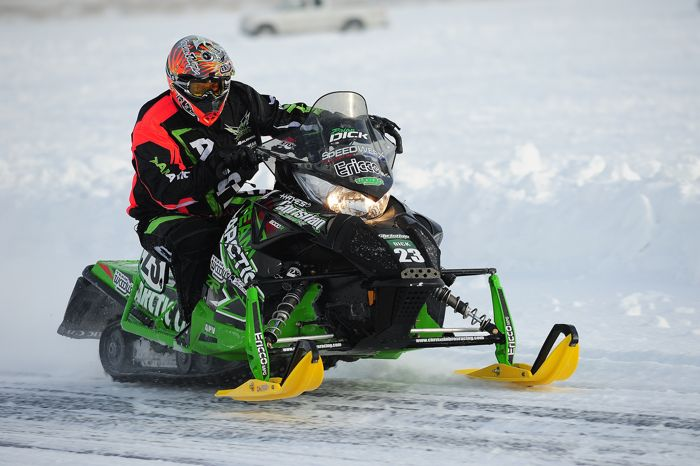 Brian Dick en route to winning in Detroit Lakes. Photo by ArcticInsider.com