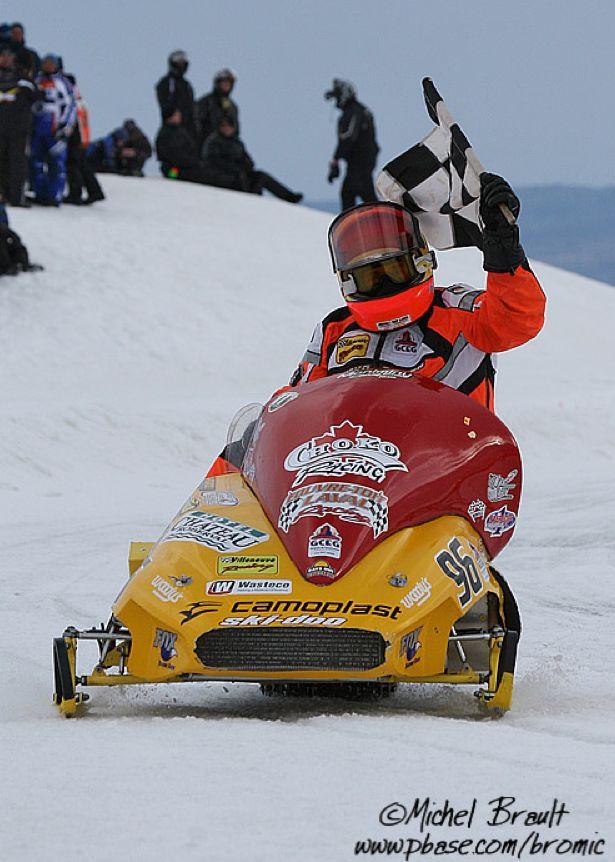 Jacques Villeneuve oval race, photo by Michel Brault.