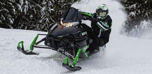Arctic Cat El Tigre snowmobile, perhaps hemi-powered for 2016?