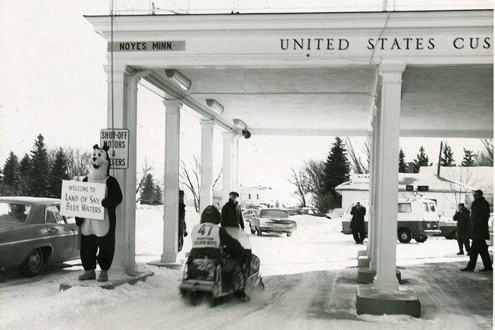 Wayne Rowland racing the I-500 at the Canadian border.