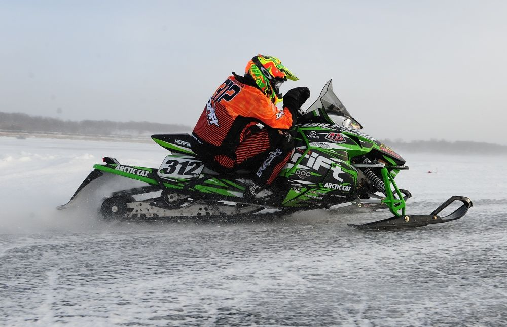 Team Arctic's Zach Herfindahl wins Detroit Lakes. Photo by ArcticInsider.com