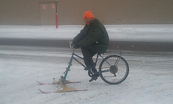 TGIF: the snow-mo-bike rider