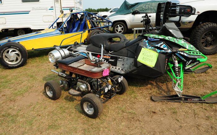 Arctic Cat and other vintage snowmobile stuff at 2015 Princeton Swap. Photo by ArcticInsider.com