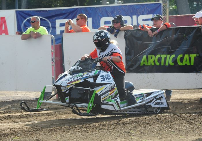 Jade Gilland wins Pro Stock 600 on Arctic Cat/Speedwerx sled. Photo by ArcticInsider.com