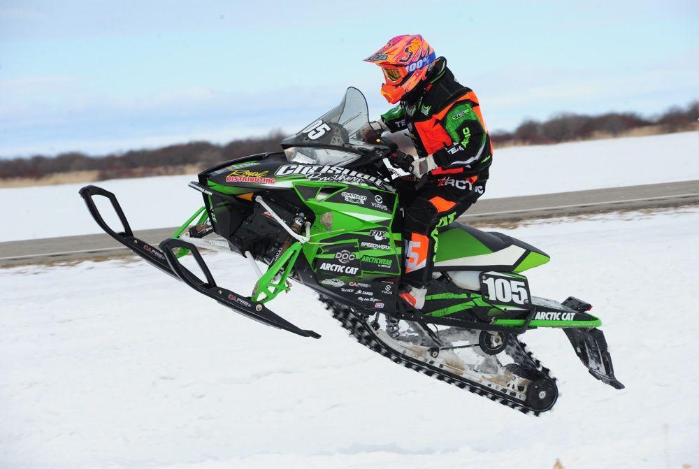 Team Arctic Cat's Ryan Trout wins Semi Pro at Warroad. Photo ArcticInsider.com