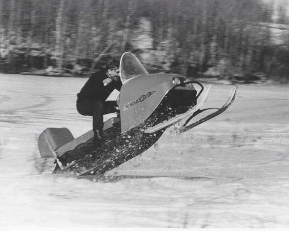 Jumping jollywillackers, jokester, here's a vintage sledneck.