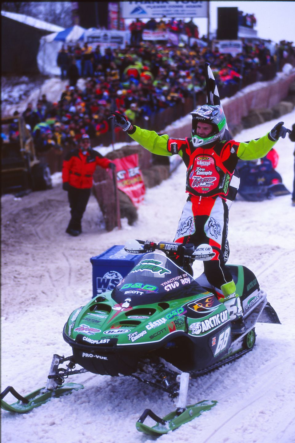 Tucker Hibbert wins Pro Open in his debut in the class, circa 2000. Photo by ArcticInsider.com