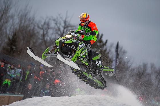#64 Pro Lite Andy Pake takes flight