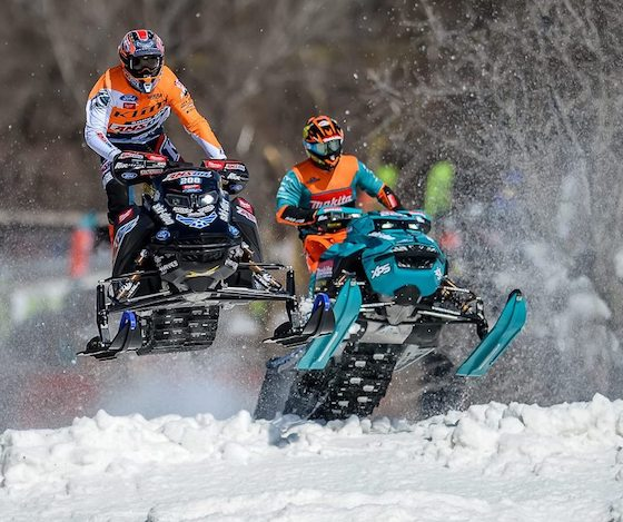 Scheuring Speedsports (L) and Warnert Racing (R) use Rox handguards