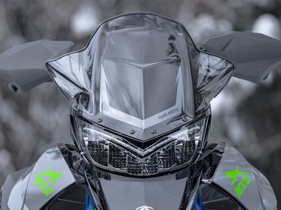 Handguards, heated seat, mid-height windshield and LED headlight are all standard equipment on the 2022 Thundercat