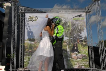 Arctic Cat Wedding