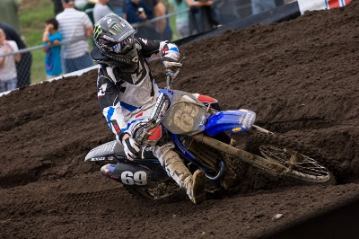 Tucker Hibbert racing moto, photo by John Hanson